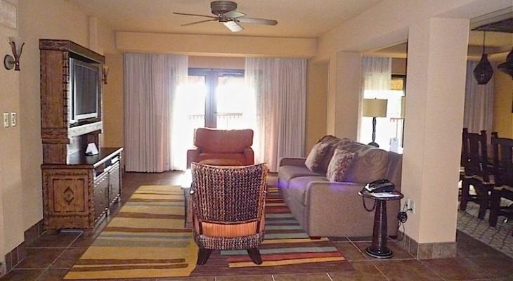 Jambo House Grand Villa Living