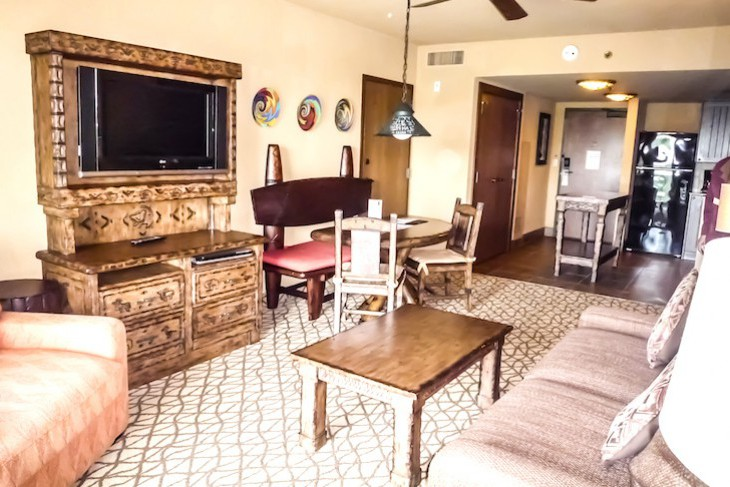 One-, and Two-bedroom Jambo House Villa Living Area