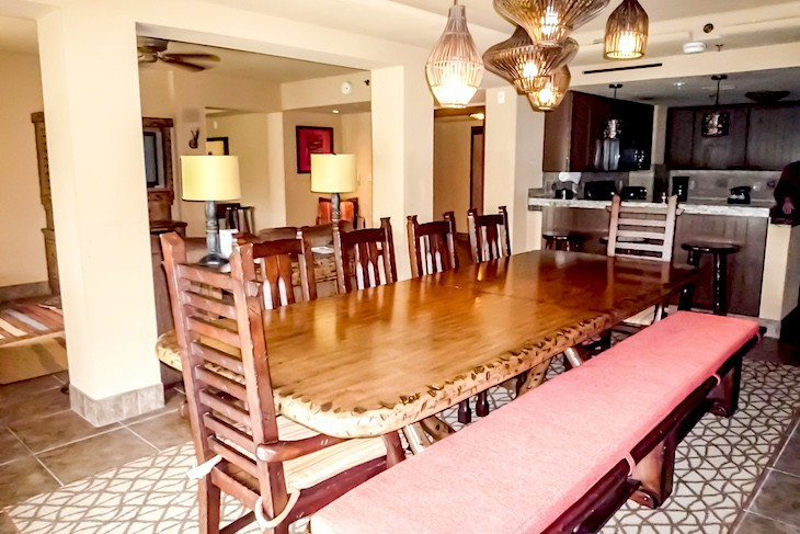 Jambo House Grand Villa Dining