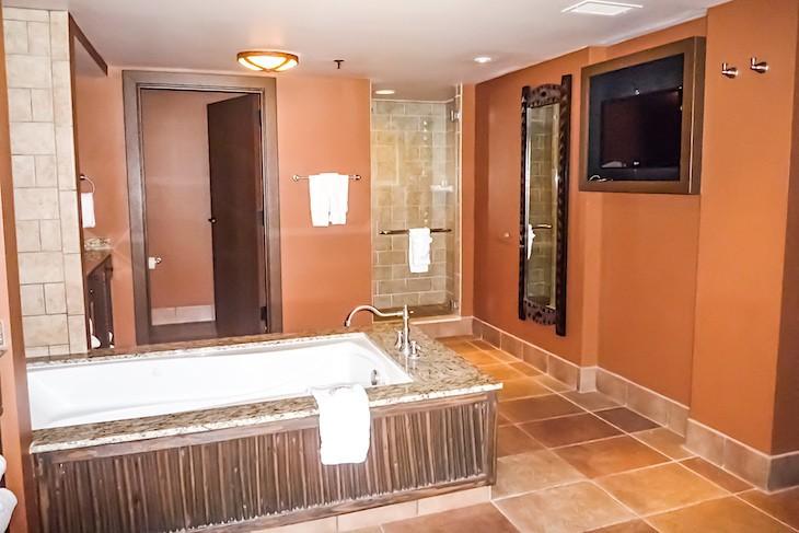 Jambo House Grand Villa Master Bedroom Bath