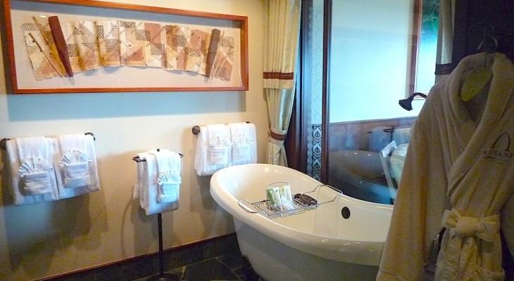 Ahu 'Ula Presidential Suite Master Bath