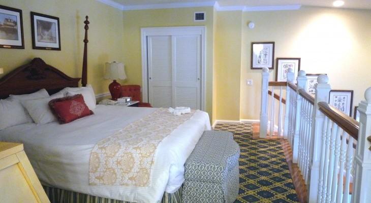Disney 39 s boardwalk inn disney suites cara goldsbury for Garden view rooms at disney beach club