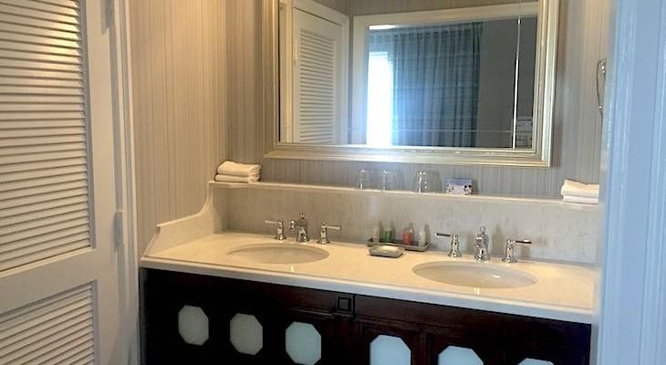 Standard Room's bath
