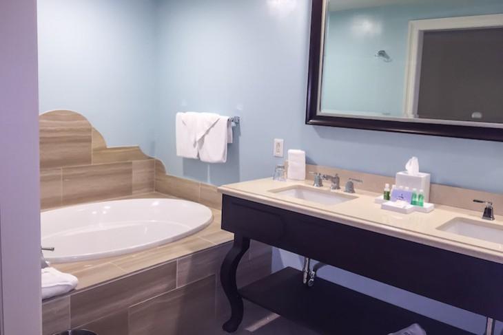 Garden Suite Master Bath