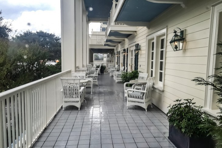 Belle Vue Lounge verandah