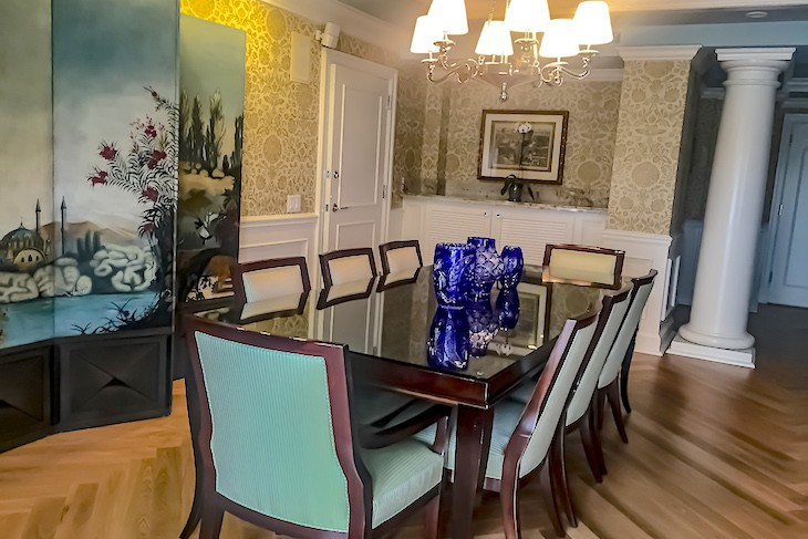 Sonora Suite dining room