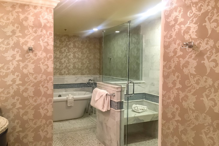 Steeplechase Suite's master bath