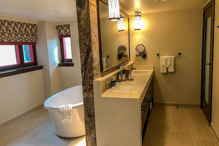 Copper Creek Grand Villa master bath