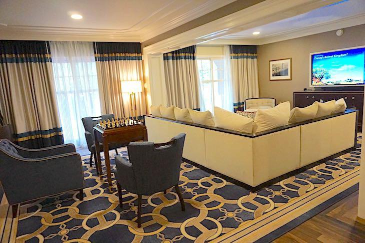 Disney S Yacht Club Resort Disney Suites Cara