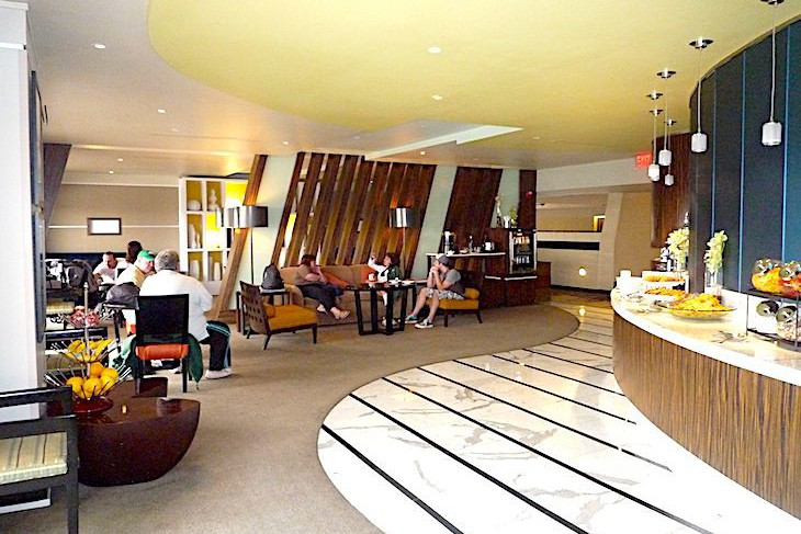 Twelfth-floor Atrium Club lounge