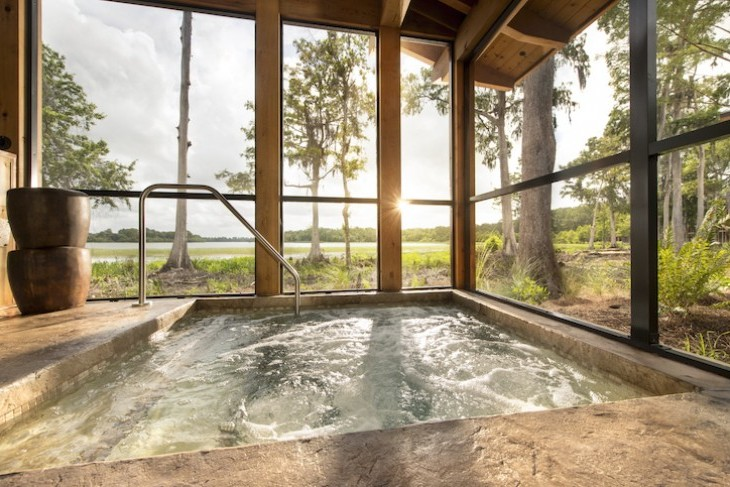 Copper Creek Cabin hot tub