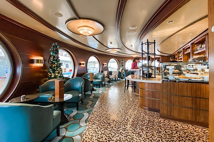 Disney Dream and Fantasy Cove Cafe