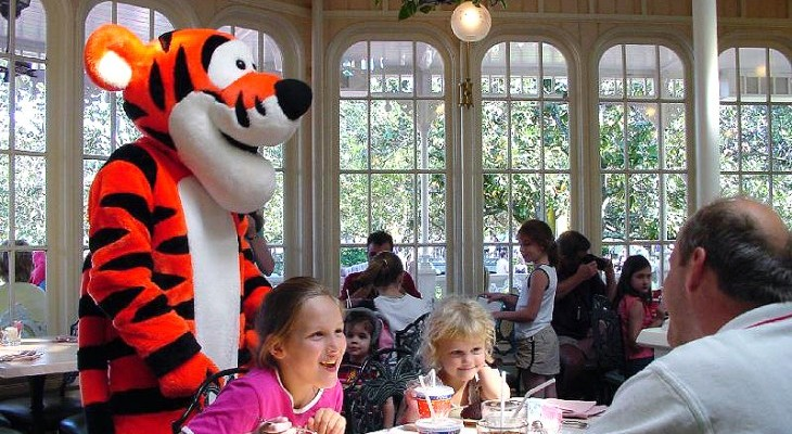 Character dining at Crystal Palace