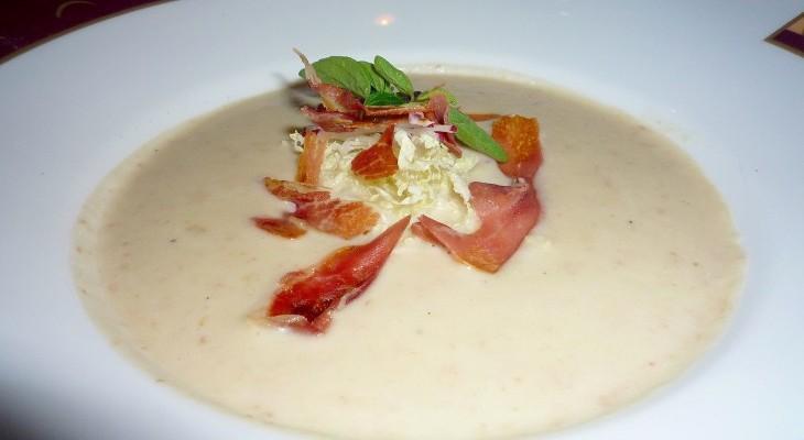 Palo Tuscan white bean soup with prosciutto