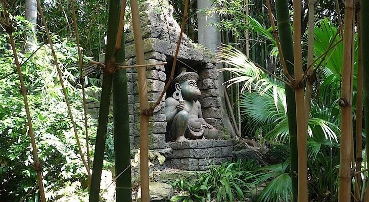 Indiana Jones™ Adventure's lush greenery