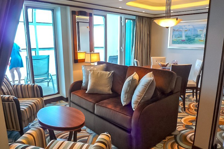 Disney Dream and Fantasy's One-bedroom Suite Living and Dining Area