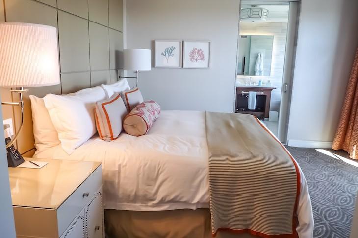 Golden Oak View Suite Bedroom