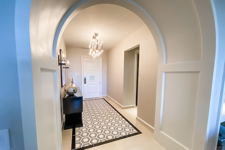Grand Suite entry
