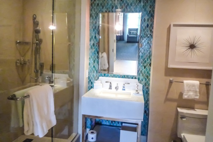 Park View Deluxe Suite 2nd Bath