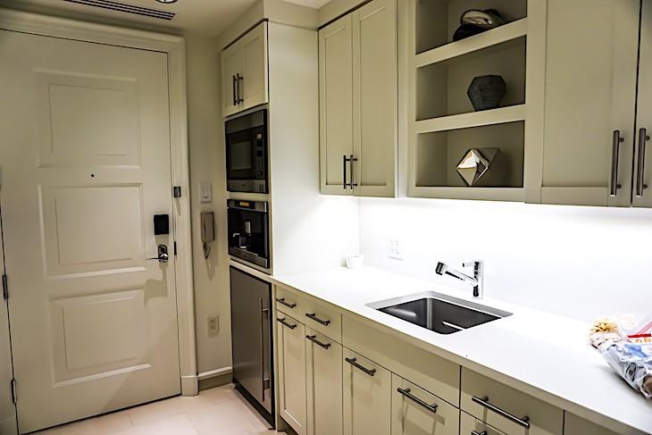 Grand Suite kitchen
