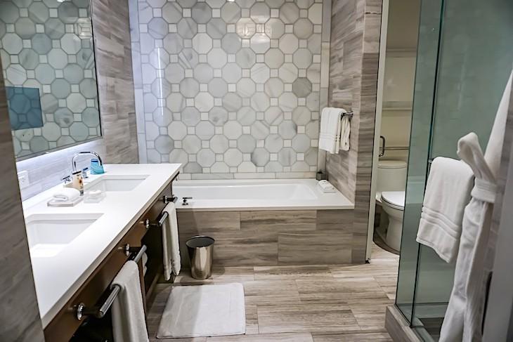 Park View Room bath