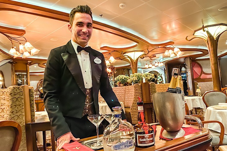 Remy welcome champagne cocktail - Disney Fantasy
