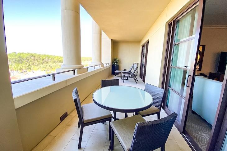 Park View Deluxe Suite terrace