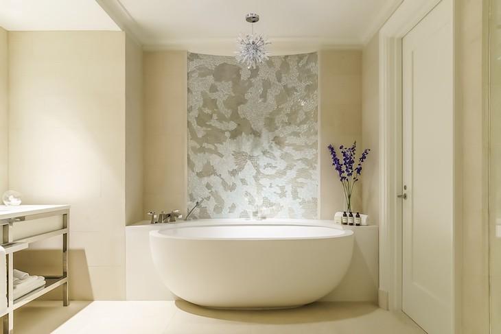 Park View Deluxe Suite Bath