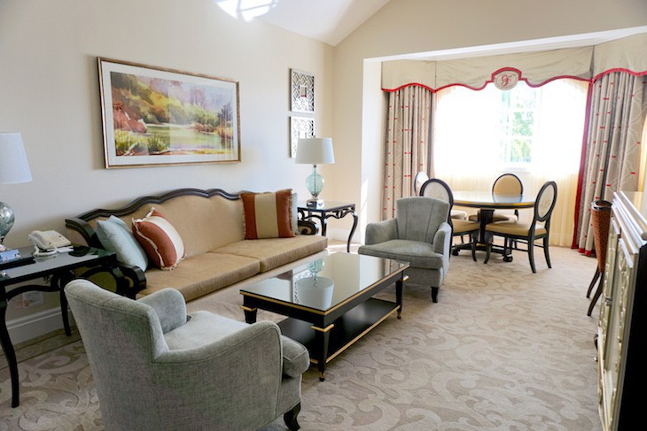 One-bedroom Outer Building Suite Living Area only in top floor suites