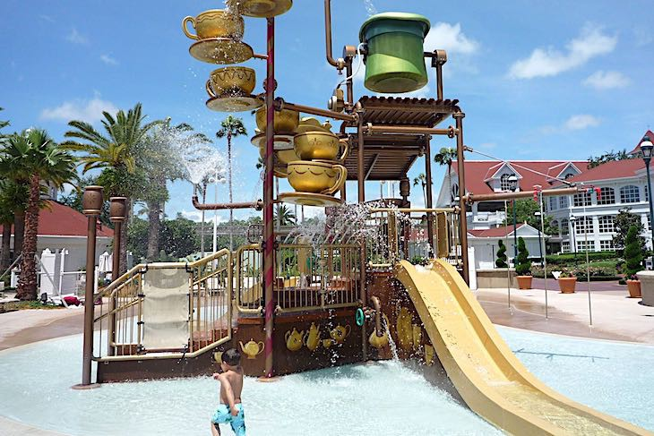 Grand Floridian's Alice in Wonderland-themed Water Play Area