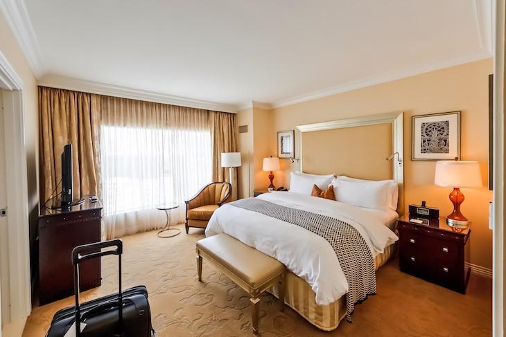 Waldorf Suite bedroom