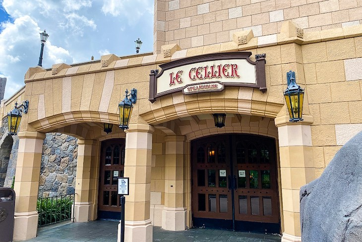 Le Cellier, great steaks and such in an intimate setting