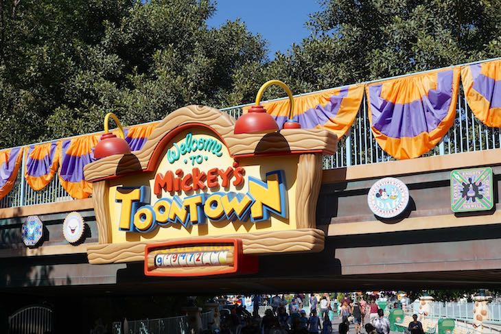 Mickey's Toontown arrival