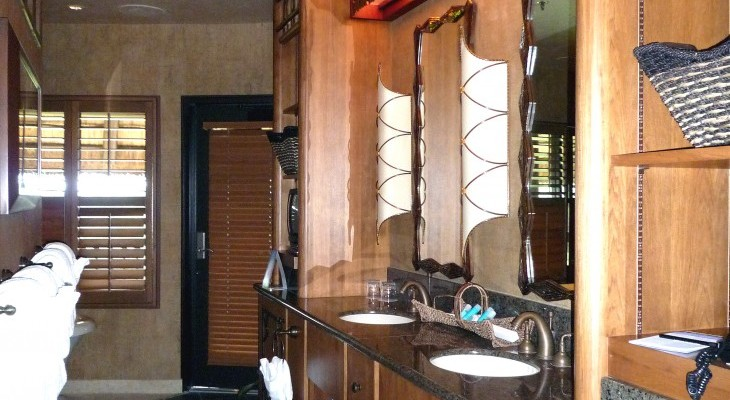 Royal Assante Presidential Suite master bath