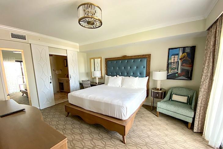 One-bedroom villa master bedroom