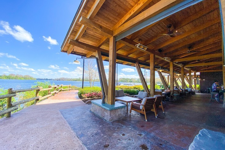 Geyser Point Bar & Grill is the perfect place to enjoy drinks and nature