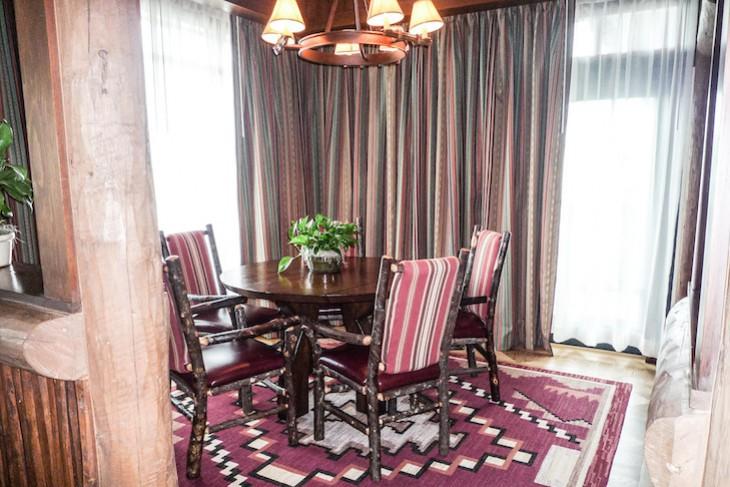 Yosemite Suite dining room