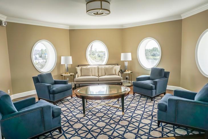 Admiral Suite Turret Living Area