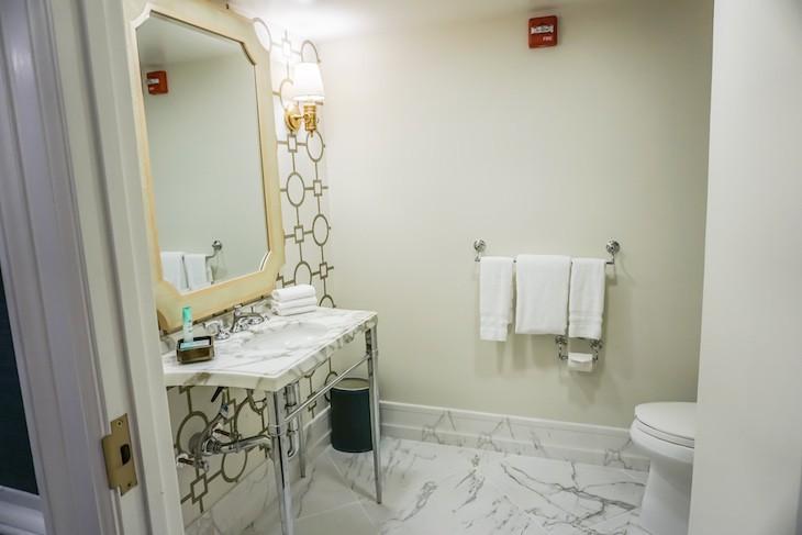 Admiral Suite half bath off entry hall