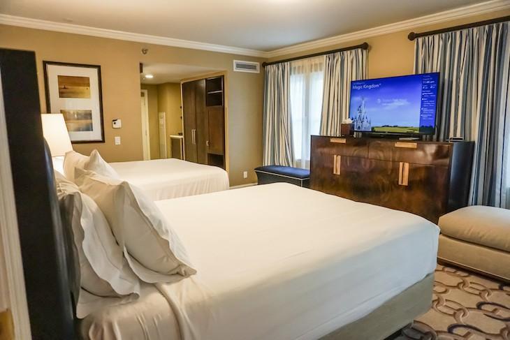 Captain's Deck Suite guest bedroom