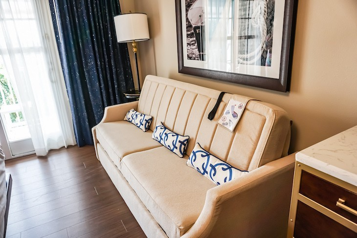 Standard Guest Room daybed sofa