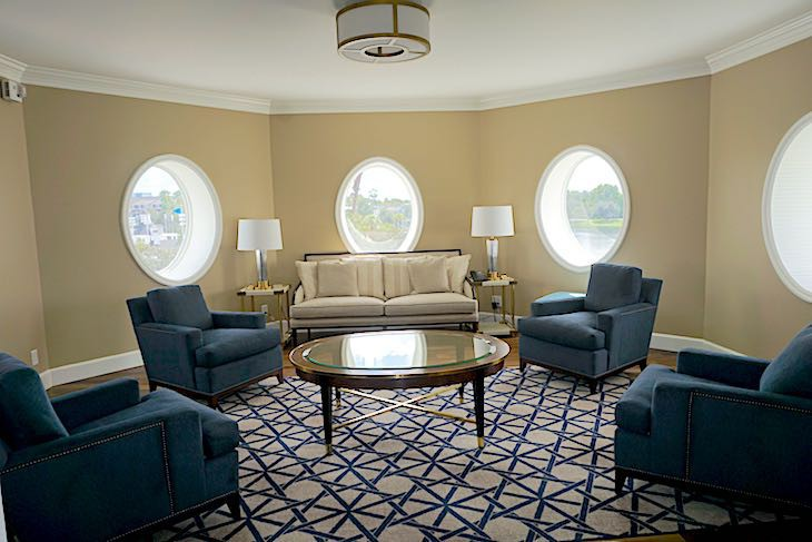 Admiral Suite Turret Living Area