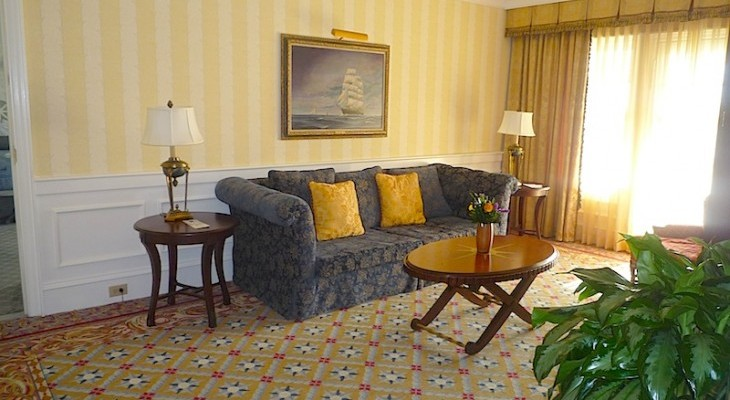 Yacht Club's Commodore VP Suite Living Area