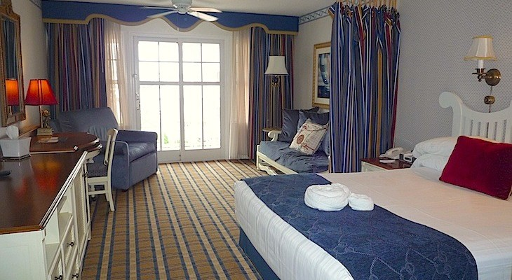 Standard King Room with Daybed