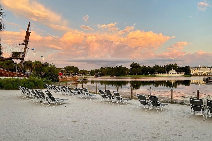 Yacht Club beach